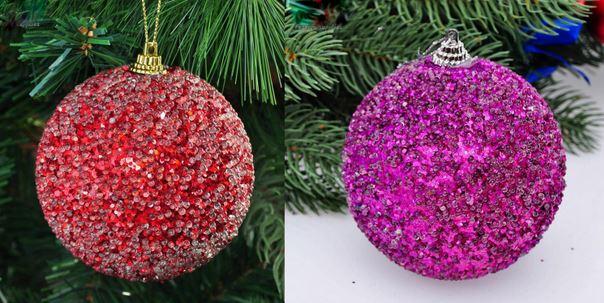 Décorer des boules polystyrène en boules de Noël