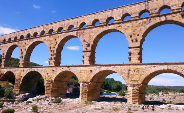 Promenade en canoë au Pont du Gard