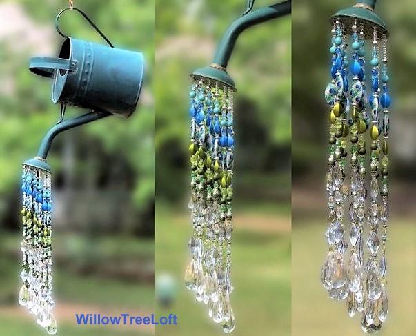 Des arrosoirs de perles au jardin