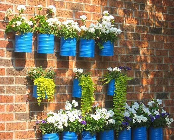 Recycler vos bo tes de conserve id es d co - Deco jardin recyclage ...