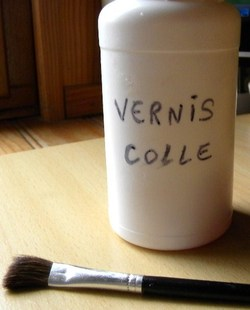 vernis-colle