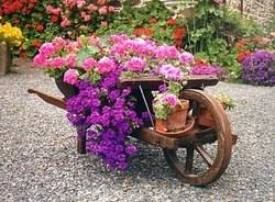 La jardinière brouette en bois rustique, originale charmante à ...