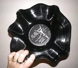 Faire des corbeilles avec des vieux vinyles !