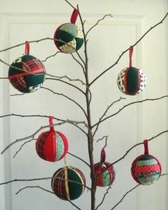 Décorations de Noël, faire des boules en tissu !