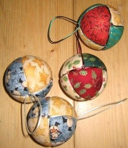 Décos de Noël, faire des boules de Noël en tissu !