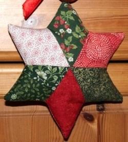 en images et bien détaillé pour confectionner une étoile de Noël