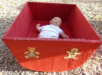 Faire un lit en carton pour poupée + cadre photo !