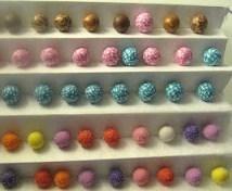 texturer des perles en p te fimo avec du sel. Black Bedroom Furniture Sets. Home Design Ideas
