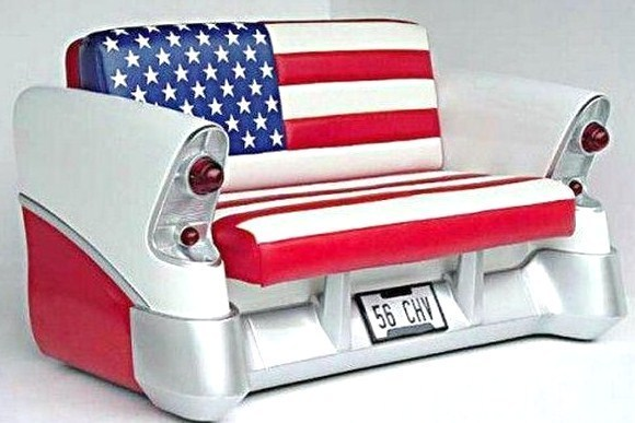 Canapé voiture année 60, pour les amateurs de belles carrosseries..