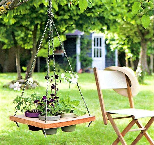 Suspensions originales au jardin