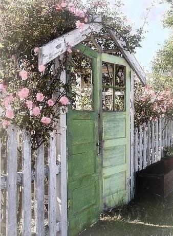 Mon portail au fond du jardin !