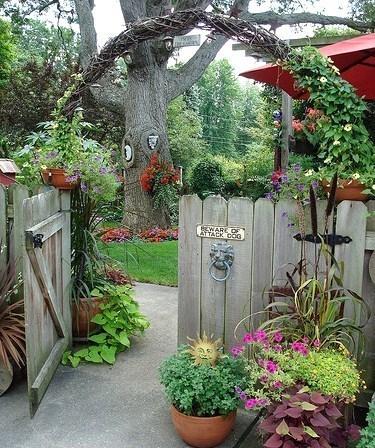 Mon portail au fond du jardin for Jardinage decoration jardin