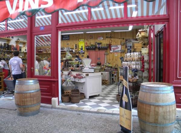 Boutique des ruelles de Brantôme où l'on trouve les produits régionaux