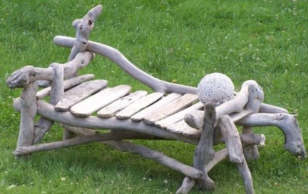 De jolis bancs en bois faits maison pour le jardin for Banc en bois flotte