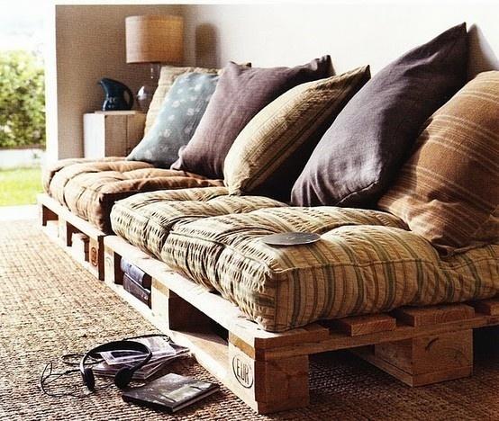Salons de jardin faits avec des palettes en bois