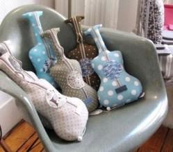 Faire un coussin guitare les tutos - Comment fabriquer un coussin ...