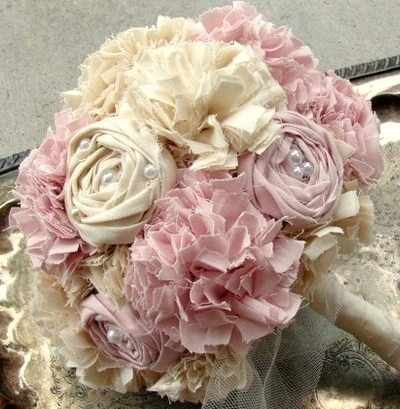 Faire de faux bouquets en tissu, des modèles