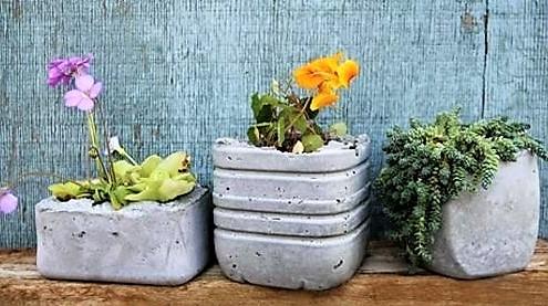faire des pots de fleurs en ciment les tutos. Black Bedroom Furniture Sets. Home Design Ideas