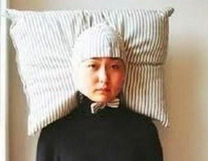 Le bonnet oreiller : pour rester digne le matin au réveil..