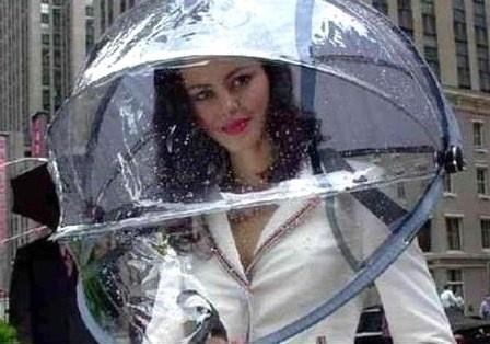 Le parapluie bulle : pour passer pour un extra-terrestre !