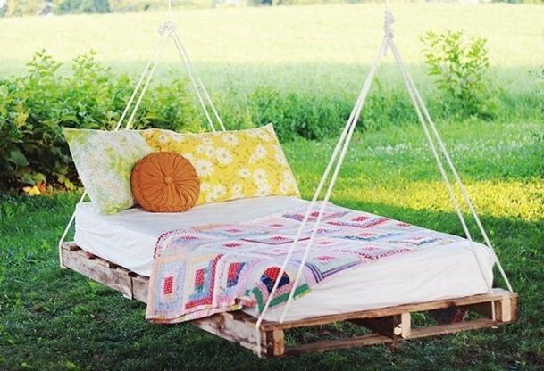 Faire un lit balancelle avec de la r cup - Quoi faire avec des palettes ...
