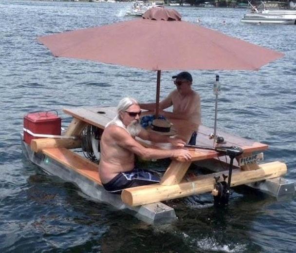 bateau table flottante