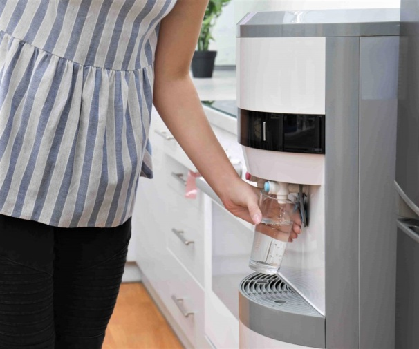 Technologies des fontaines à eau : laquelle choisir pour son entreprise?