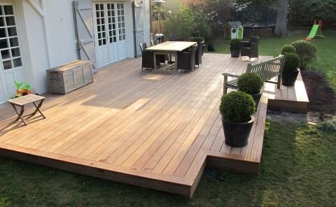 comment faire soi m me sa terrasse en bois. Black Bedroom Furniture Sets. Home Design Ideas