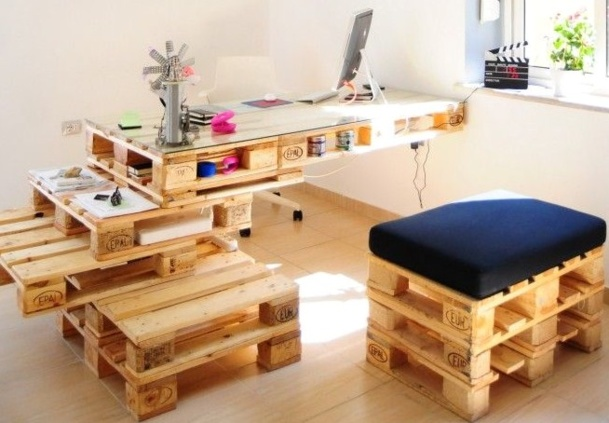Bureau En Palette De Bois : Pallet Desk