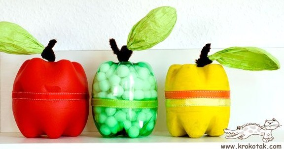 Des bouteilles plastique revisitées façon pommes damour Jolis et