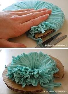 Tutoriel gros pompons chutes tissu