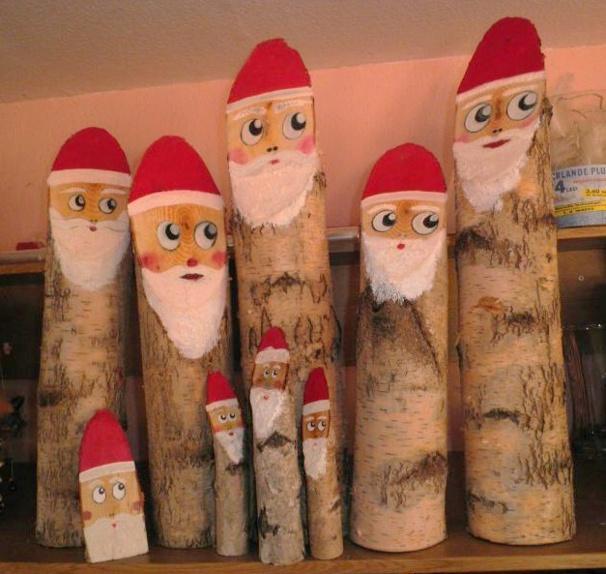 Faire des p res no l en b ches de bois - Decoration de noel exterieur en bois ...