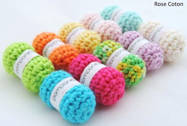 Tutoriels faire de mini pelotes de laine