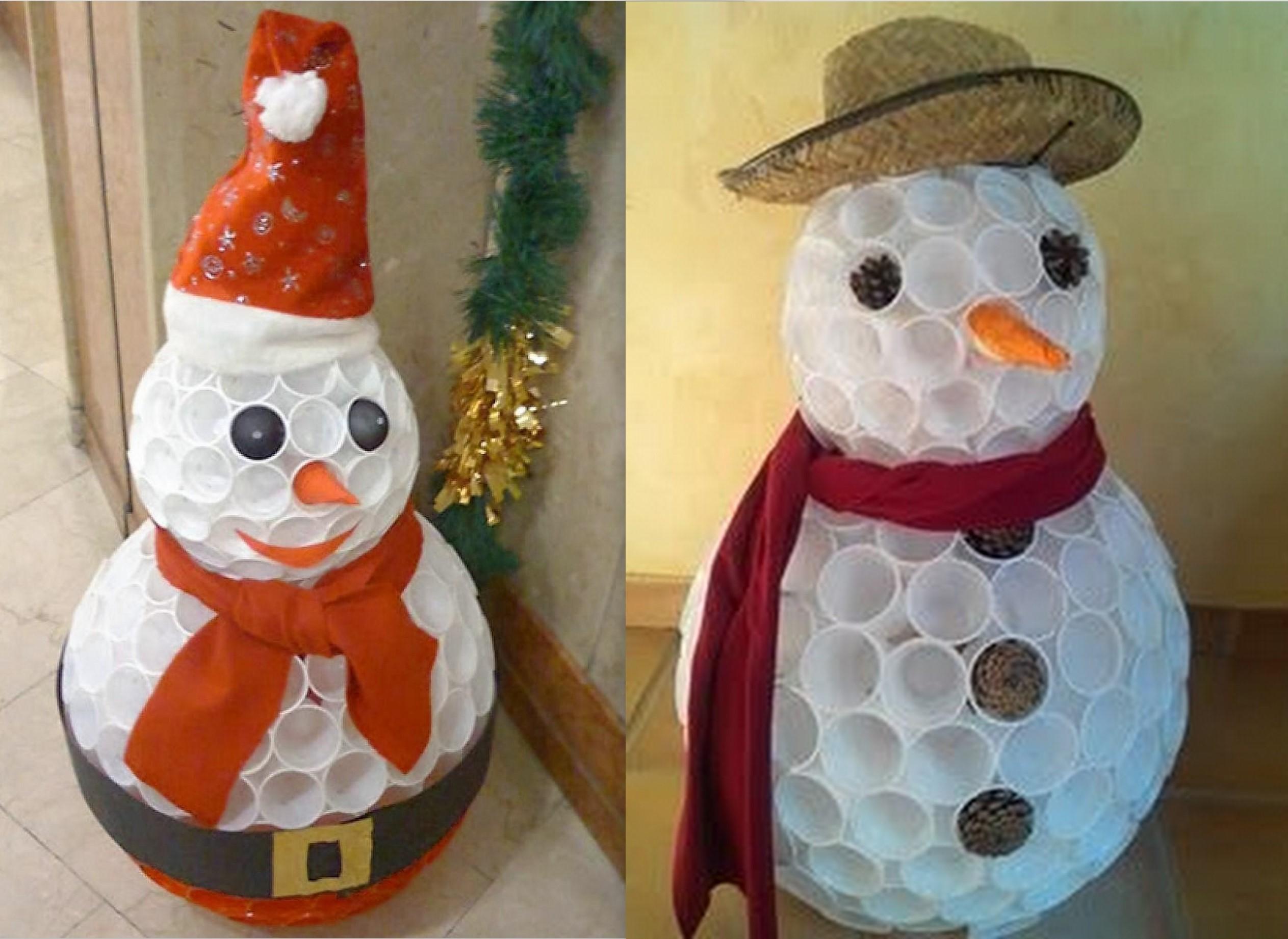 faire un bonhomme de neige avec des gobelets en plastique page 2. Black Bedroom Furniture Sets. Home Design Ideas