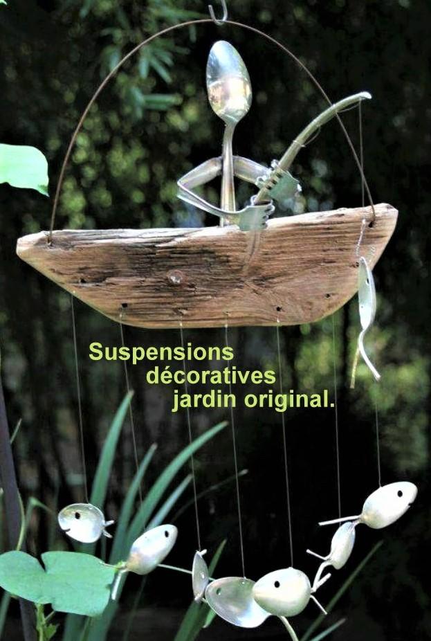 Suspensions originales au jardin