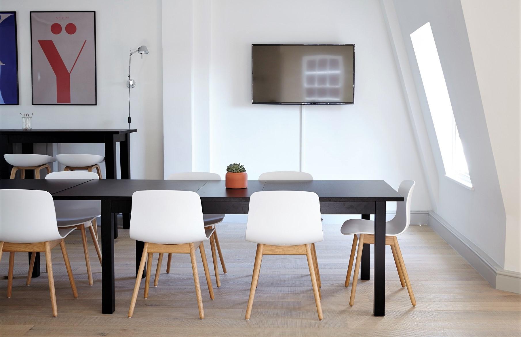 Pourquoi choisir des chaises design pour sa déco intérieure ?