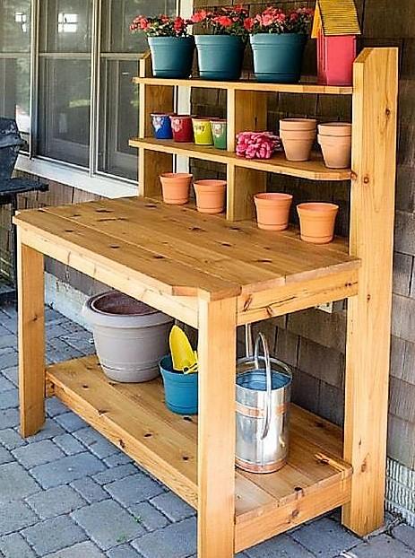 Idées pour faire une table à rempoter en récup !