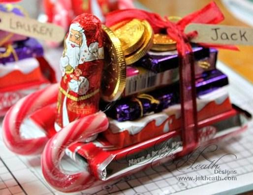 Faire le traîneau du Père Noël en friandises et sucres d'orge