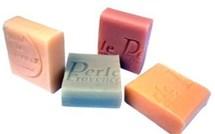Fabriquer un gel douche avec vos restes de savons !