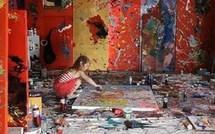 Aelita Andre 4 ans peint comme une vraie artiste !